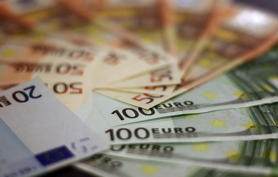 Remessas dos emigrantes subiram 1,8% em agosto, para 308 milhões de euros
