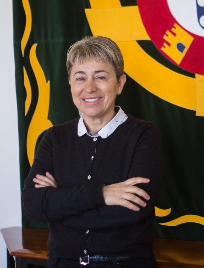 Secretária de Estado das Comunidades Portuguesas visita Angola